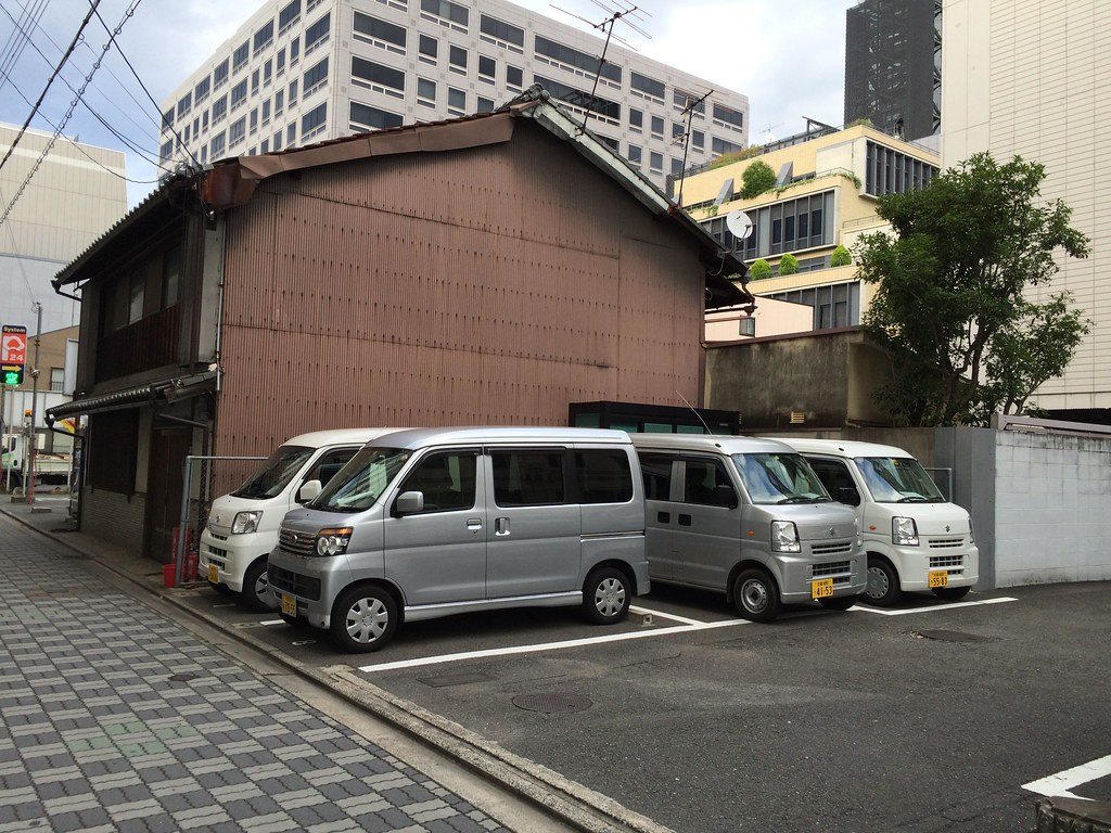 kei cars: parking efficiency