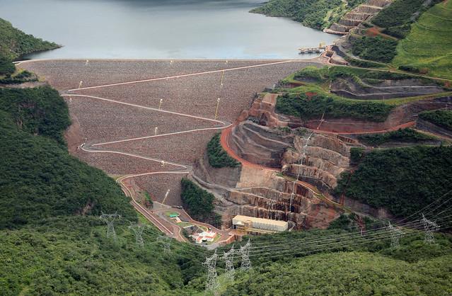 Usina de Irapé, concluída sem licitação no governo Aécio Neves (PSDB): famílias no entorno não têm energia elétrica - Créditos: Divulgação CEMIG