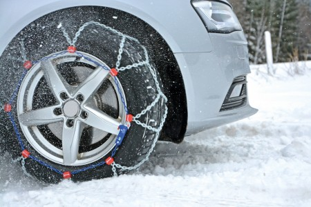 Vyhněte se pokutám i karambolům. Sněhové řetězy mějte v zimě s sebou!