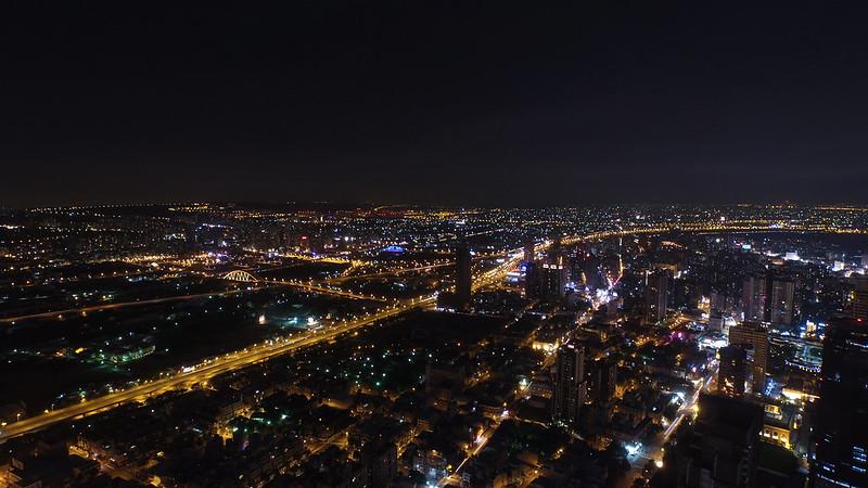 DJI_0526 - 2015-0703 夜間空拍台中市七期黎明路市政路口
