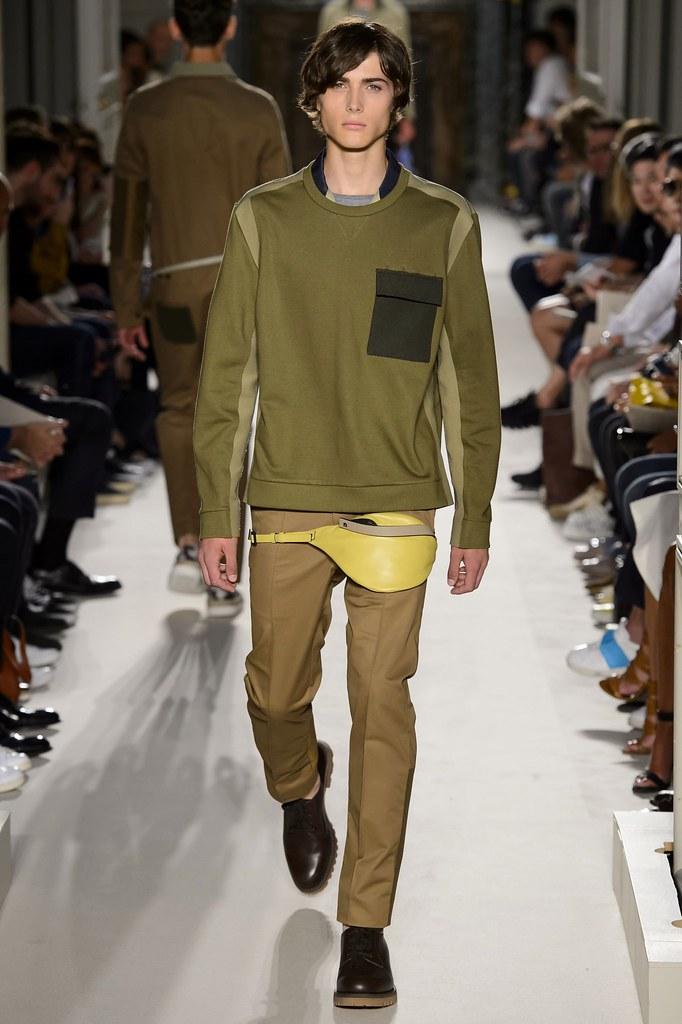 Paul Fontanier3062_SS16 Paris Valentino(fashionising.com)