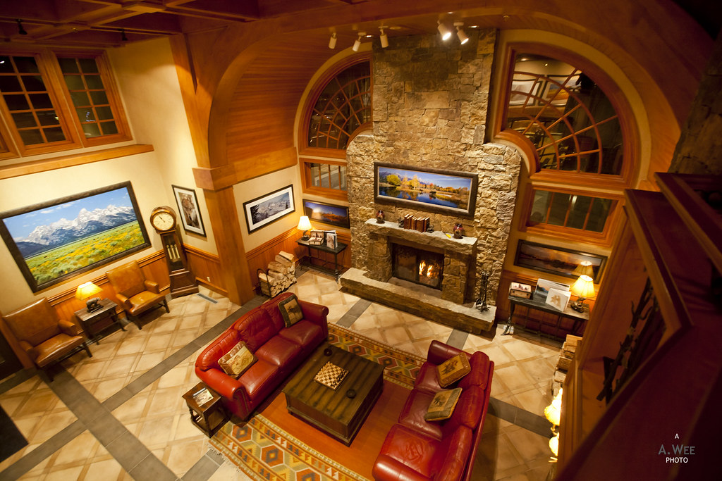 Lobby Lounge with Fireplace