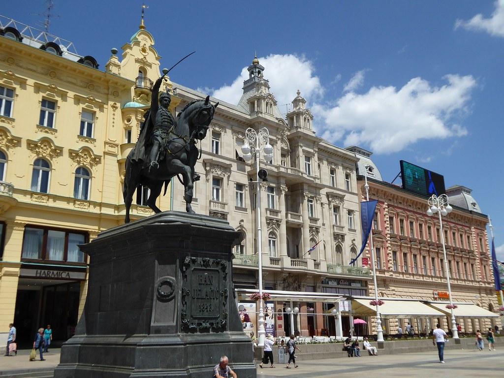 Zagreb - Ban Jelačić Square (P1030908)