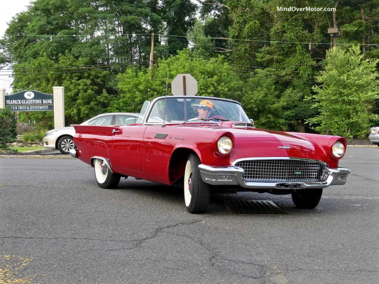 1957 Ford Thunderbird Front