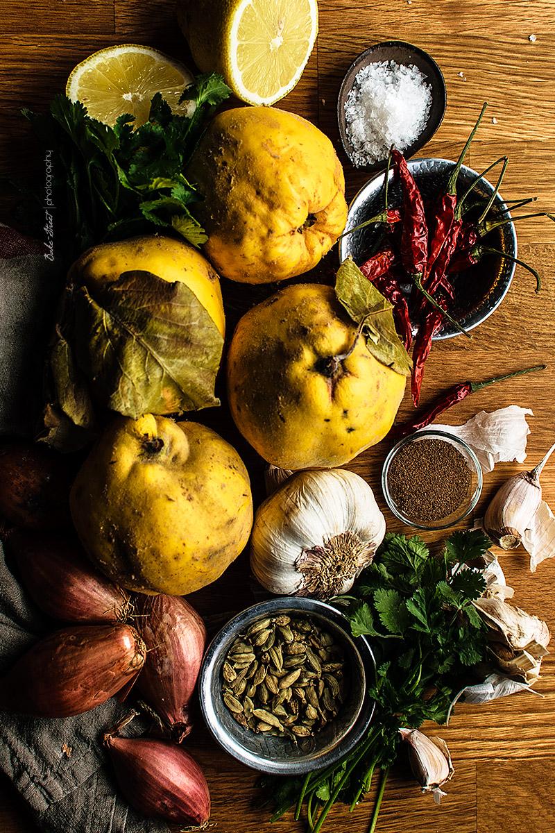 Membrillos rellenos de cordero con granada y cilantro