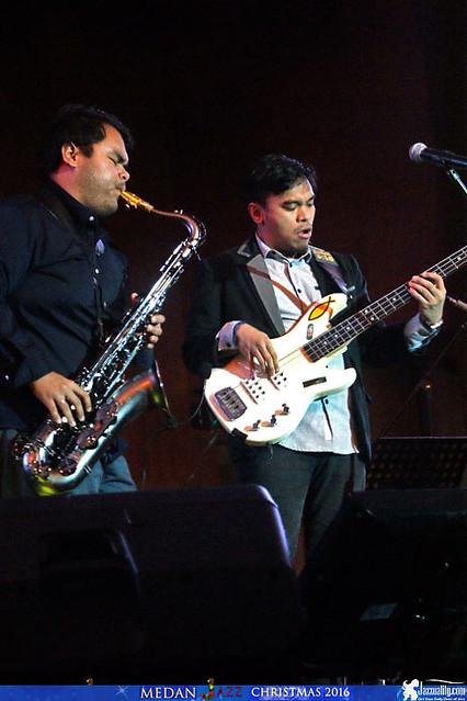 Mdan Christmas Jazz - Barry Likumahuwa - Ricad Hutapea (2)