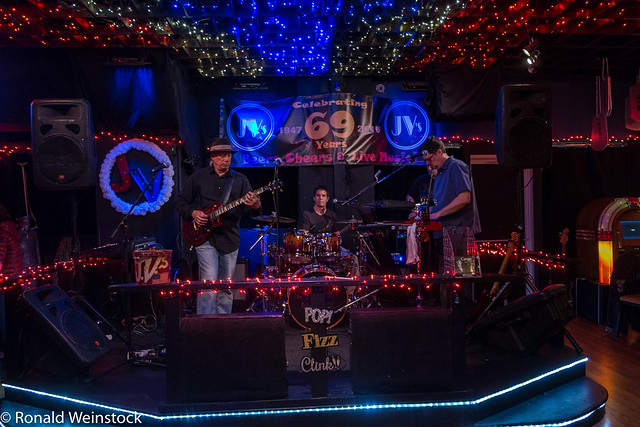2017-0121 Cargo & the Heavy Lifters at JV's-5115
