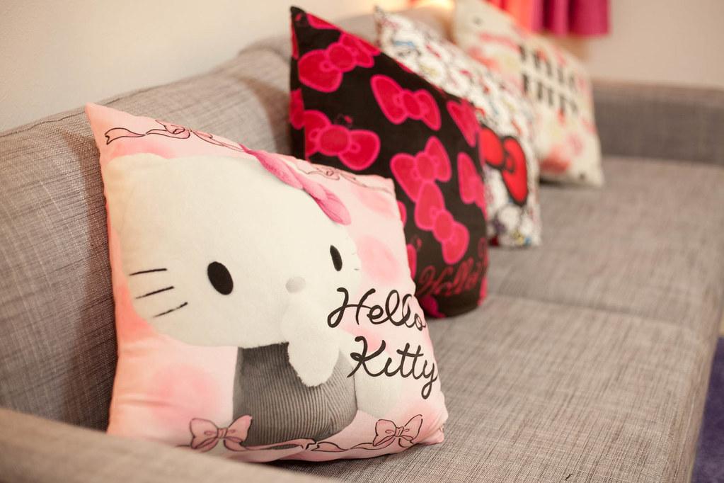 Hello kitty 的抱枕