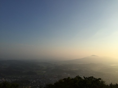 Mt. Utsushigatake and Tamura-city, early morning.