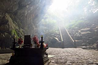 Chua Huong, Vietnam