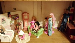 My Daughter's Barbie House, living room