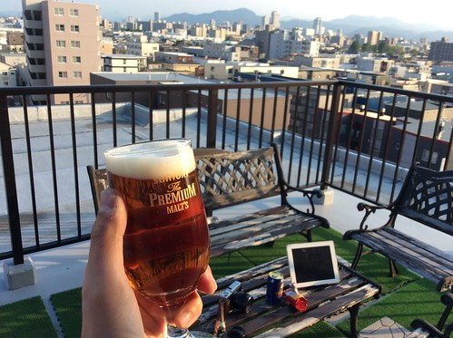 バルコニーでビール