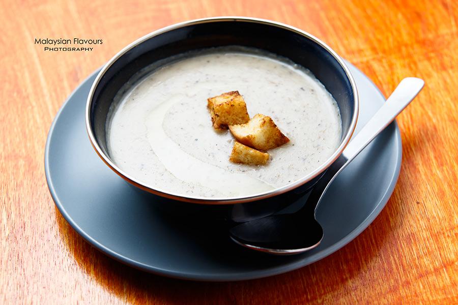 I Am 80s Cafe Taman Rasa Sayang mushroom soup