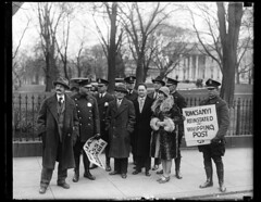 Anti-fascist pickets arrested at White House: 1928
