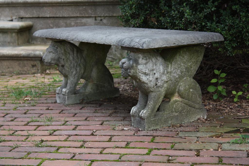 Woodlawn Lion Bench