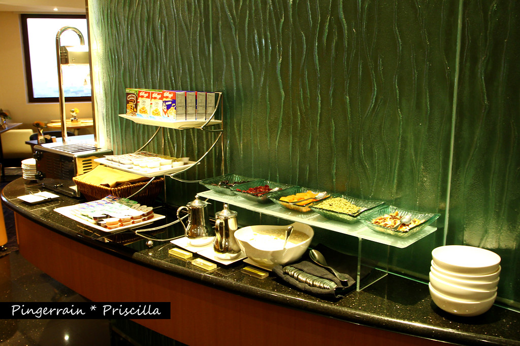 Breakfast Spread in Club Lounge - Cereals & Museli