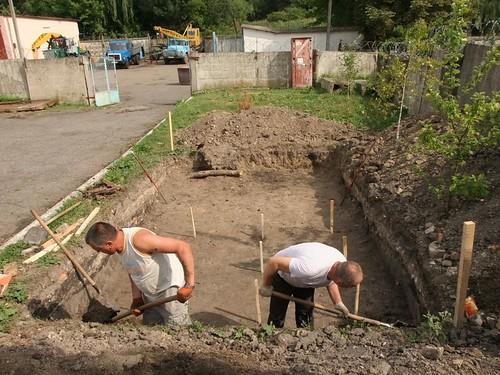Археологи розкопують вулицю Замкову