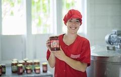 Packaging fruit conserve in Kosovo