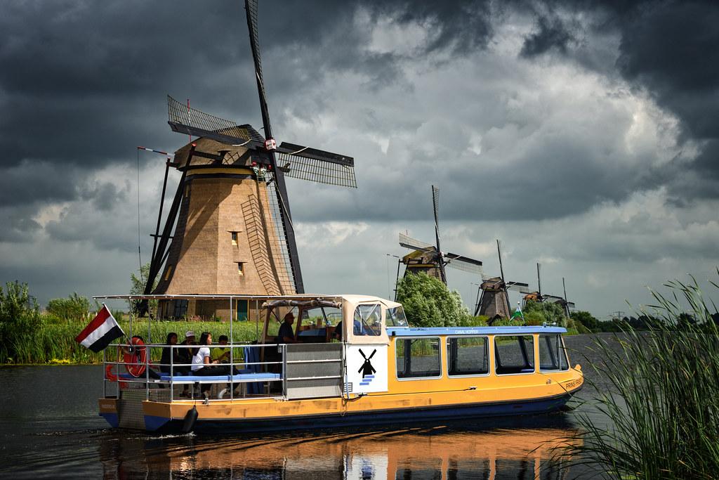 Kinderdijk Canal Hopper