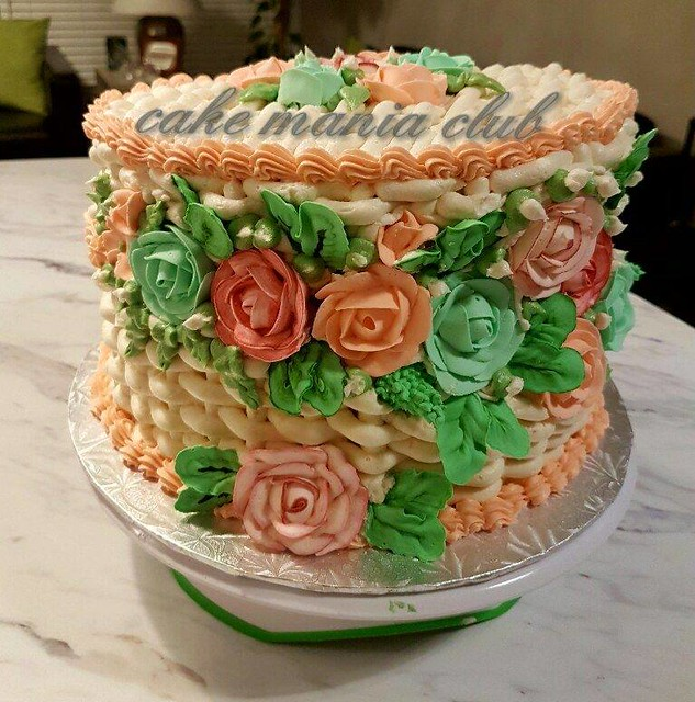 Cake by Munnaza Tareen of Cake Mania Club