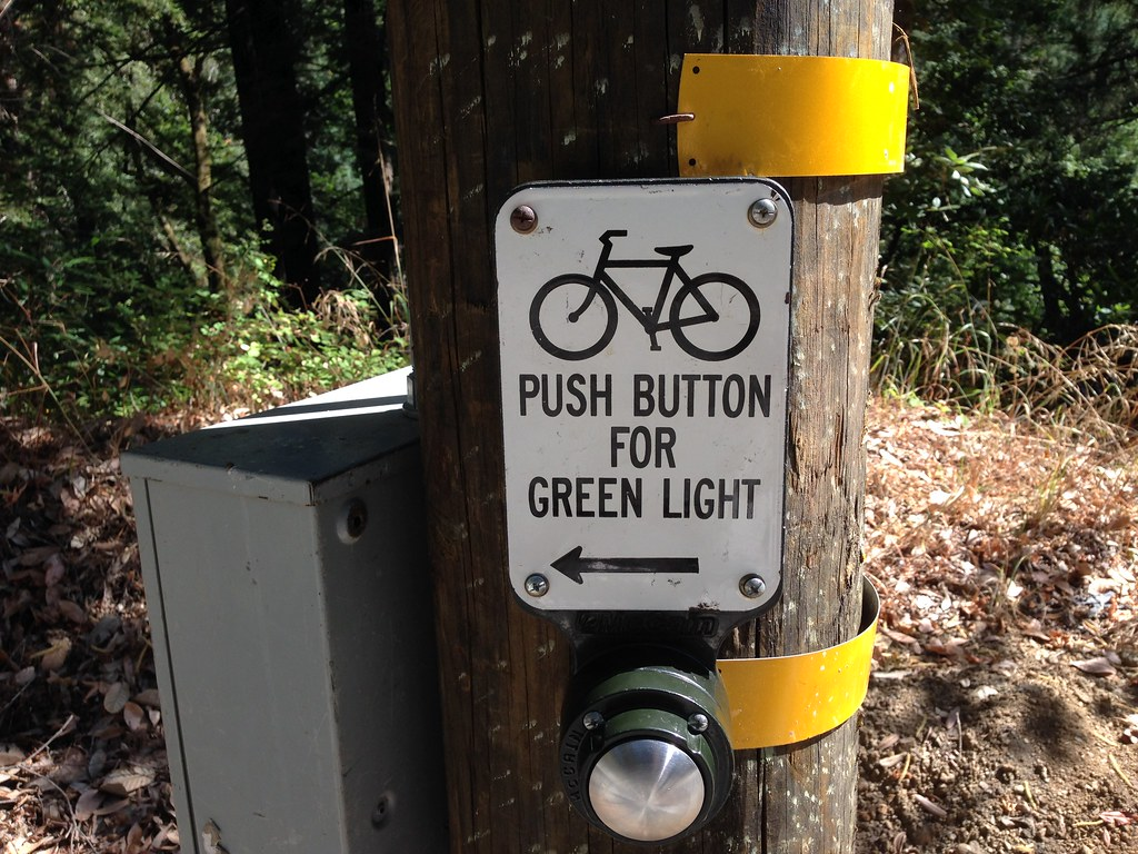 Does it prolong the green light duration?
