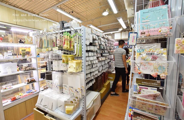 香港西九龍中心逛街商場20