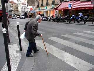 Paris, Old men crosses slowly