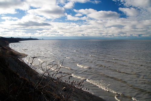 blue winter ohio cloud sun lake cold ice water cleveland erie polarized tamron northeast aprevit
