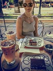 Nutella trileçe and iced coffee
