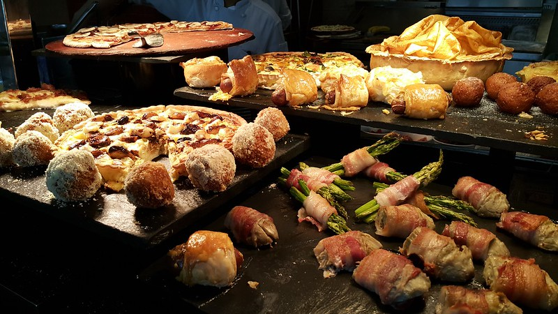 Sweet Sunday Brunch at Raffles Makati
