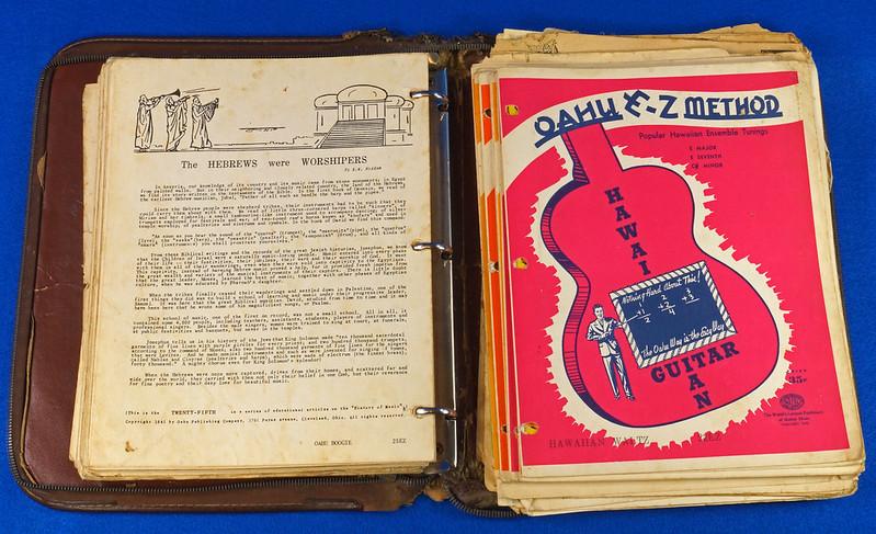 RD15283 40+ Sheet Music Booklets Oahu Publishing E-Z Method Hawaiian Guitar 1941 in Leather Notebook DSC09043