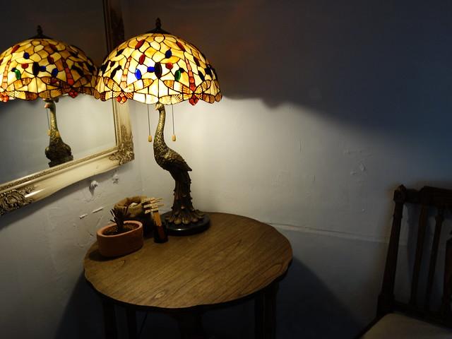 雅緻的拼花玻璃燈@波提娜麗精品咖啡