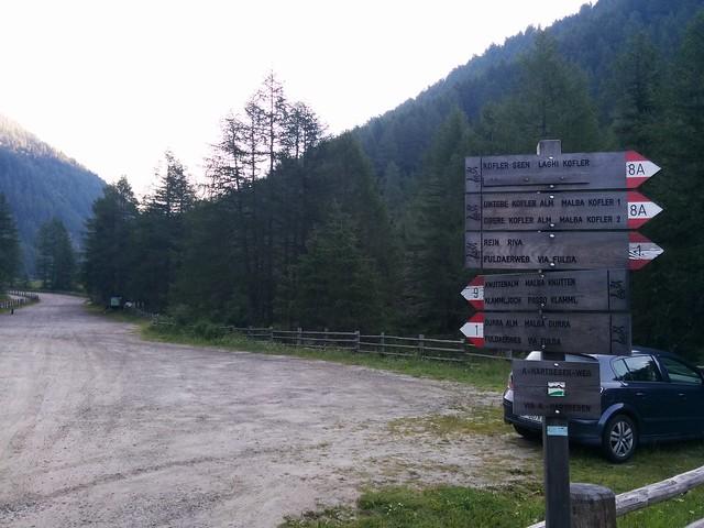 Start am Parkplatz der Knuttenalm, auf Weg Nr. 8A