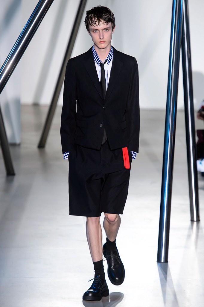 Jesper Trip3044_SS16 Milan Jil Sander(fashionising.com)