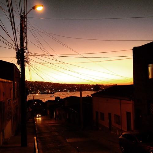 Bajando por Barón #Valparaíso #Chile 🚶🌅