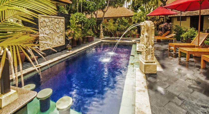 yulia beach inn pool