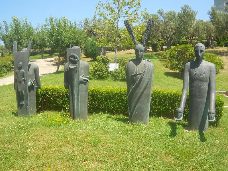 Mimmo Paladino, I testimoni, Parco Internazionale della Scultura, Catanzaro