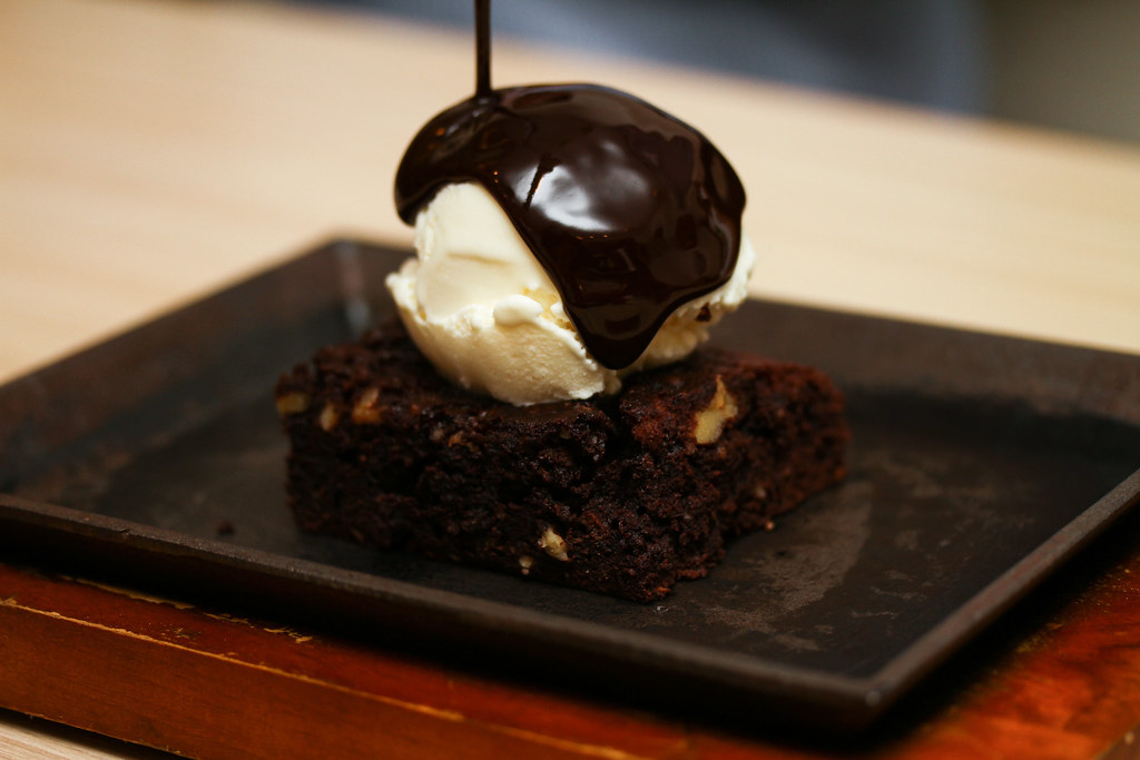 Copper Chimney: Sizzling Brownie with Ice Cream