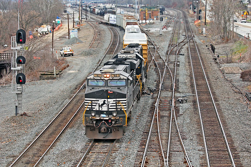 norfolksouthern norfolksoutherntrains ns7621 nsconwayyard eastconway pittsburgharearailroads nsinpittsburgh nsmotivepower nslocomotives