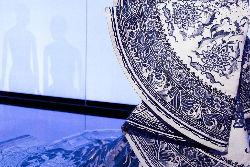 MET Museum, China: Through the Looking Glass, New York, Vogue, Guo Pei