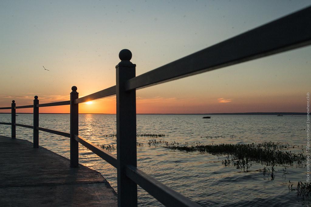 Закат на озере Плещеево в Переславле-Залесском