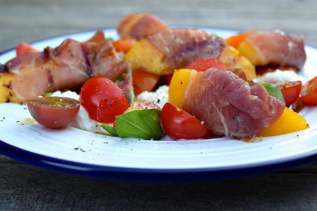 Prosciutto Wrapped Griddled Nectarine Caprese Salad | www.rachelphipps.com @rachelphipps