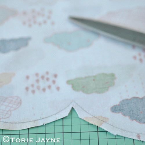 Cloud shaped cushion tutorial 4