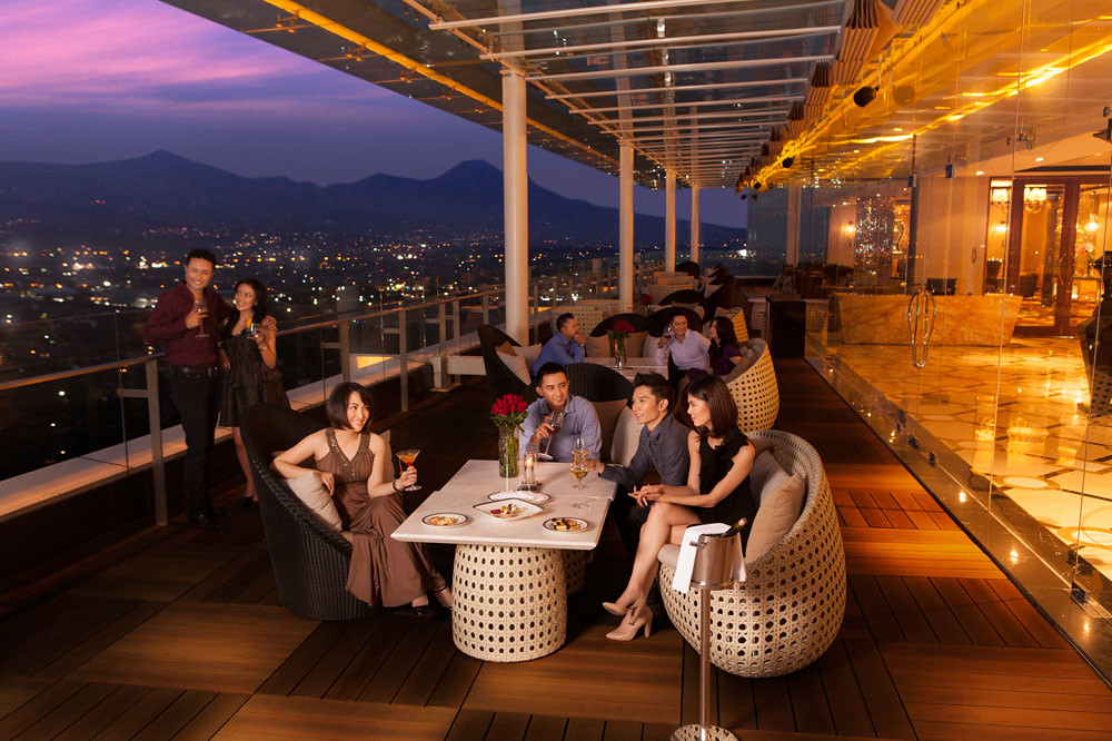 10 bandung rooftop bars with stunning views this is the perfect place for a romantic dinner with your loved one as you quietly admire the beautiful city lights spread out beneath you junglespirit Images