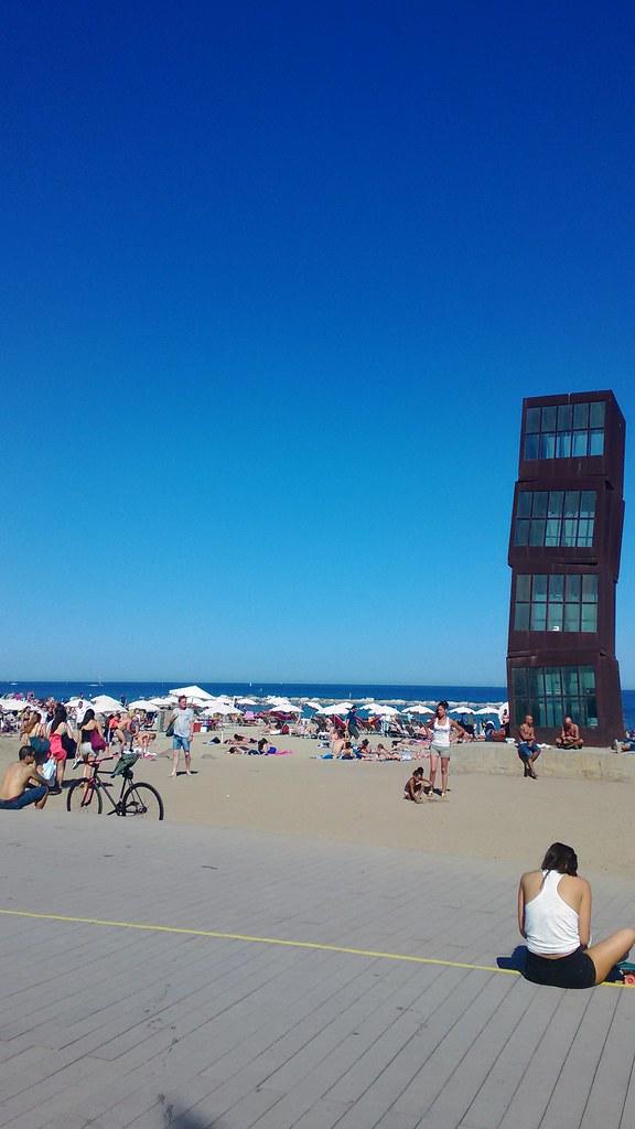 Barceloneta - Costruzione a forma di cubi sovrapposti disegnata da Rebecca Horn