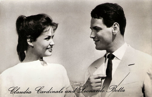 Claudia Cardinale and Leonardo Botta in Tre straniere a Roma (1958)