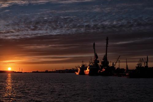 sunset sea sky sun water clouds reflections boats harbor landscapes mar tramonto nuvole mare ships barche baltic porto cielo antonio sole acqua navi riflessi paesaggi klaipeda lithuania nubi lituania republics baltico repubbliche baltiche mat56 romei