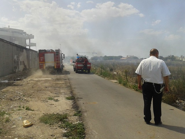 Rutigliano- Incendio in Via Mola  il terzo nel mese di Luglio (3)