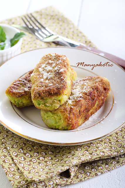 Zucchini cakes with grated parmesan