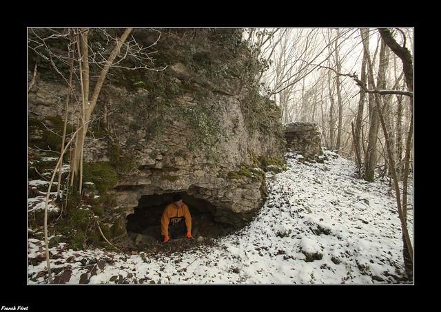 Abri Sous roche bois de la chênaie des Granges - Cussey Sur Lison